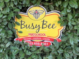 busy bees sign.jpg